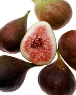 figs cut with seeds