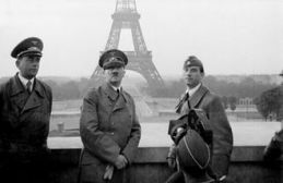 hitler_in_paris