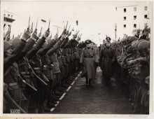 Mussolini dagger salute
