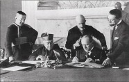 mussolini meets with leaders