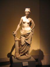 venus aphrodite statue