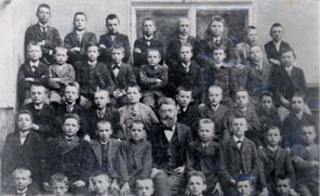 wittgenstein hitler class photo