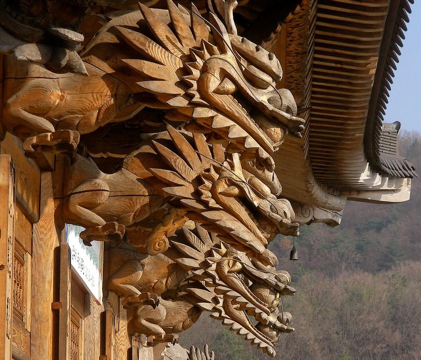 Buddha Hall Dragons