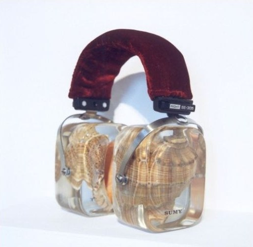 headphones with seashells